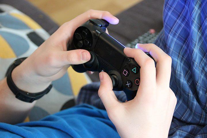 DualShock gaming controller